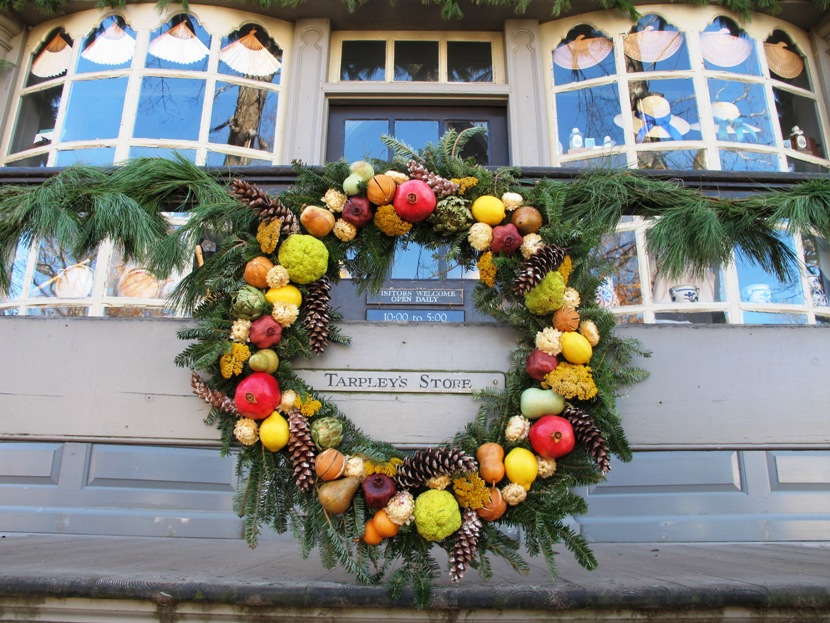 holiday season in colonial williamsburg - Colonial Williamsburg Christmas Decorations