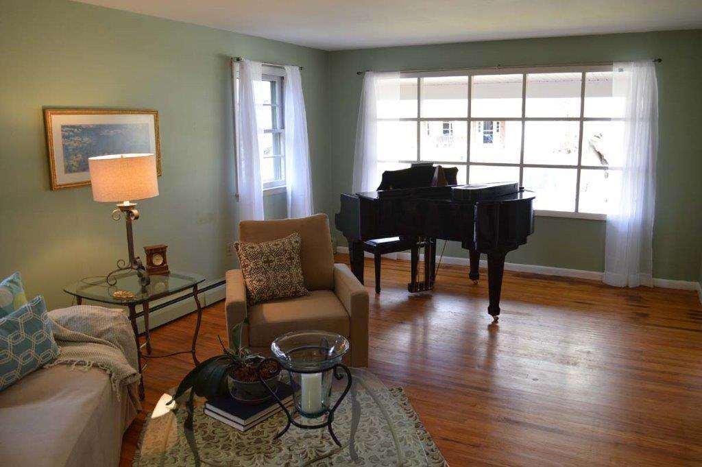 707 Devon Lane- Living Room